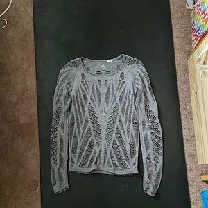 Alo yoga ripped wandered shirt sz S